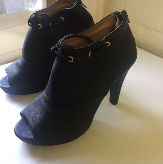 Black stilletos (size 5)