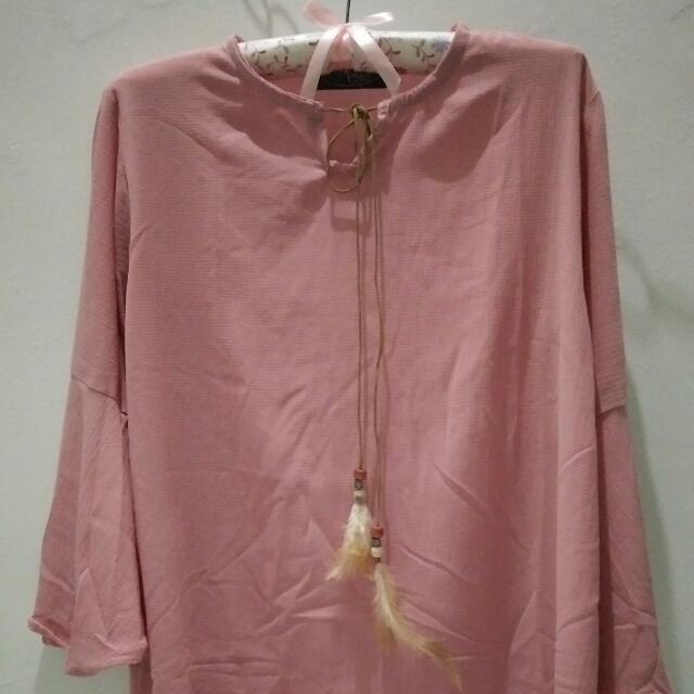 Blouse Dusty Pink Lengan Terompet Atasan Wanita