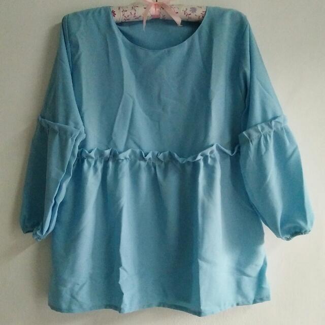 Blouse Ruffle Biru Muda Fashion Hijab Wanita