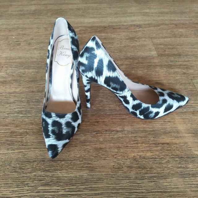 Bruce King printed heels
