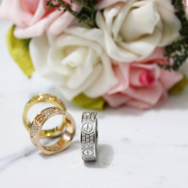 Cartier love diamond ring mirror quality