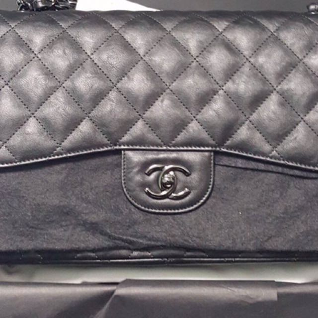 ae7d56af411a Chanel jumbo so black in crumpled calf skin, Women's Fashion, Bags &  Wallets on Carousell