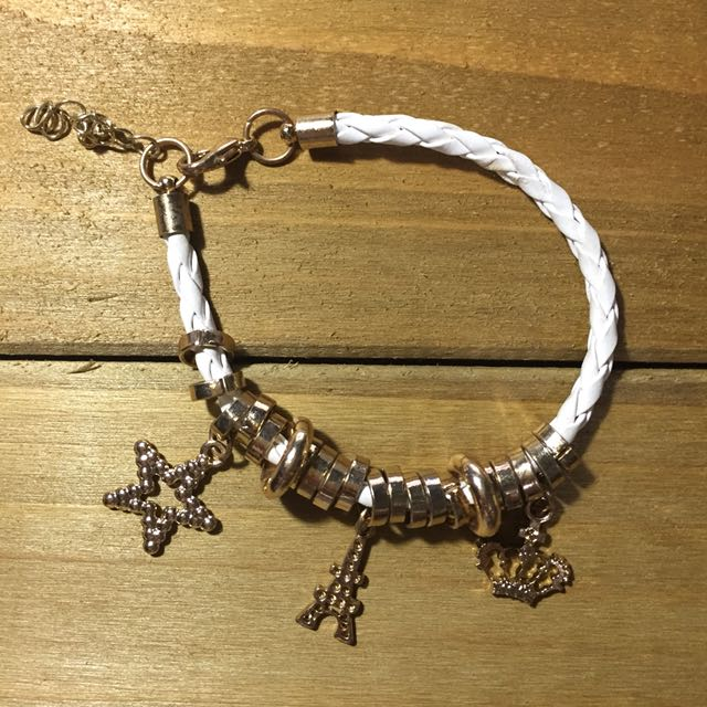 Charm Bracelet in Gold and White