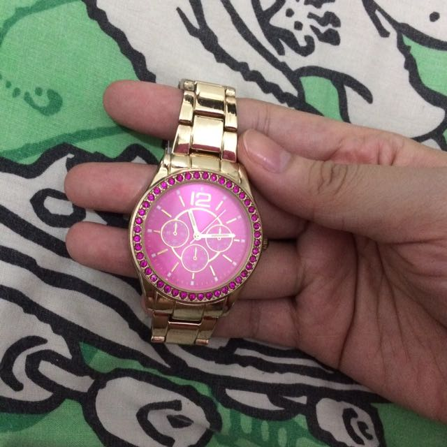 Claire's watch