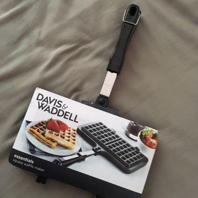 Davis Waddell essentials square waffle maker
