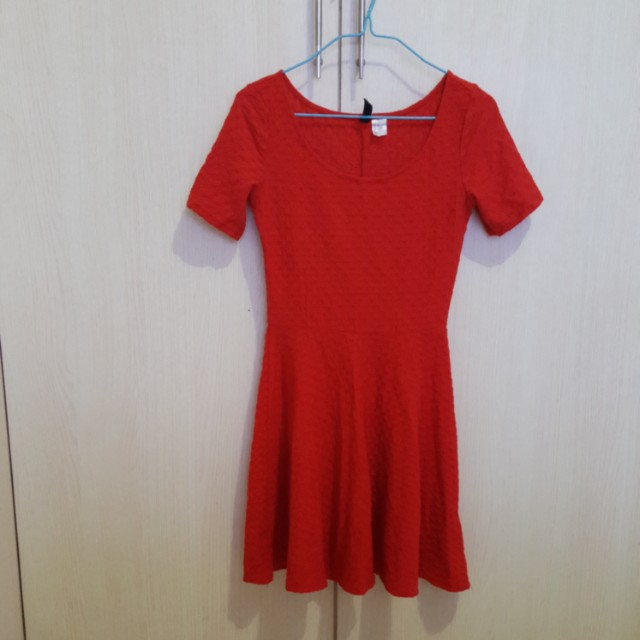 Dress merah H&M