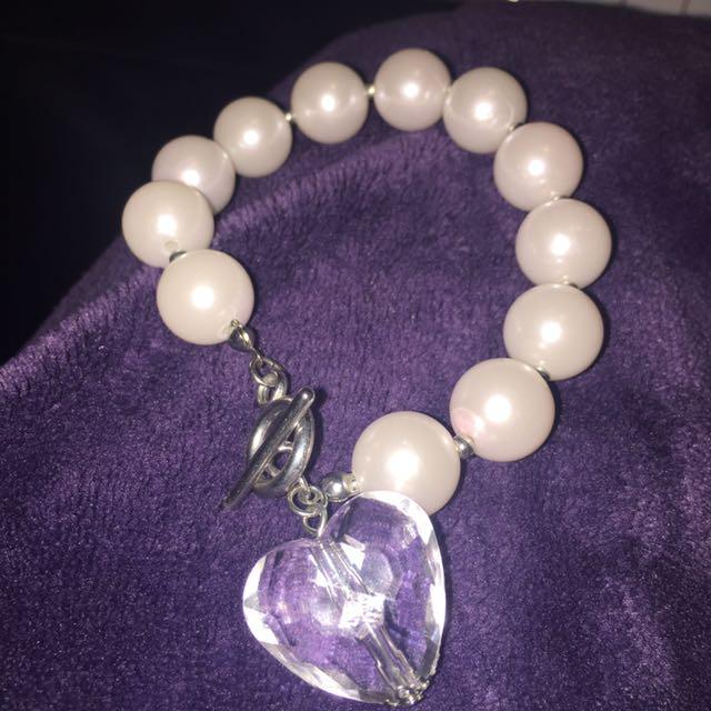 Faux Large Pearl Bracelet