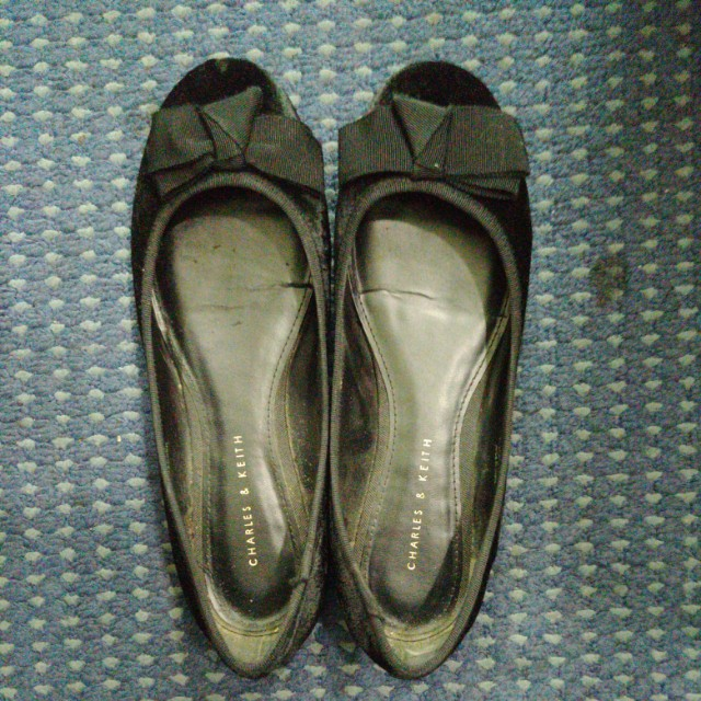 Flat shoes charles&keith