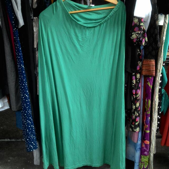 Green maxi skirt