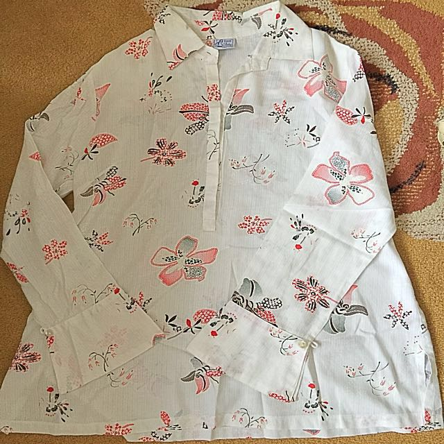 Havin' A Baby® Maternity Floral Blouse Large