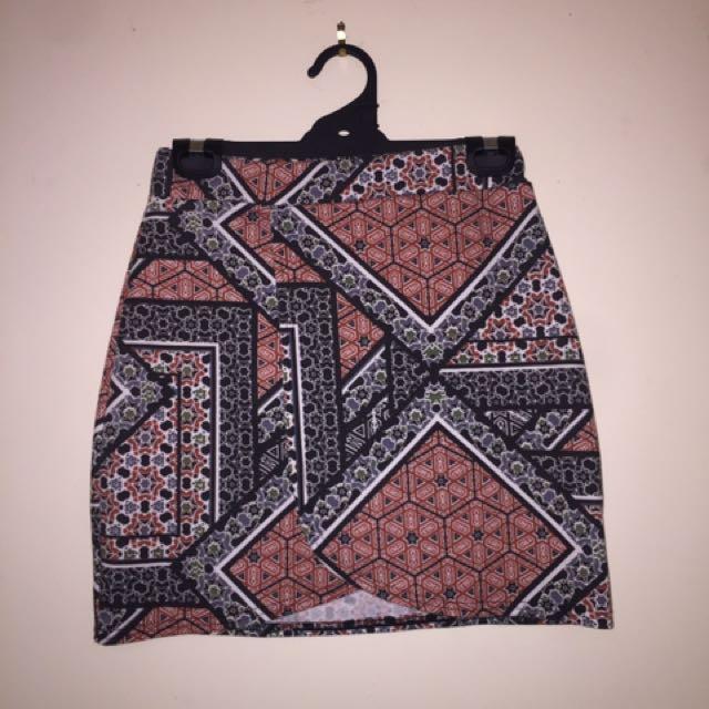High waisted abstract skirt