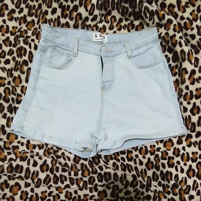 Highwaist Cuffed Shorts