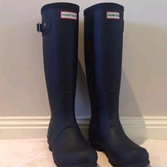 Hunter black original tall gum boots