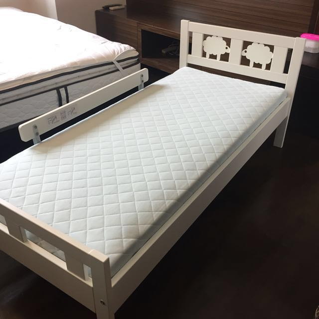ikea slakt bed frame with underbed and storage ikea junior bed frame with mattress. Black Bedroom Furniture Sets. Home Design Ideas