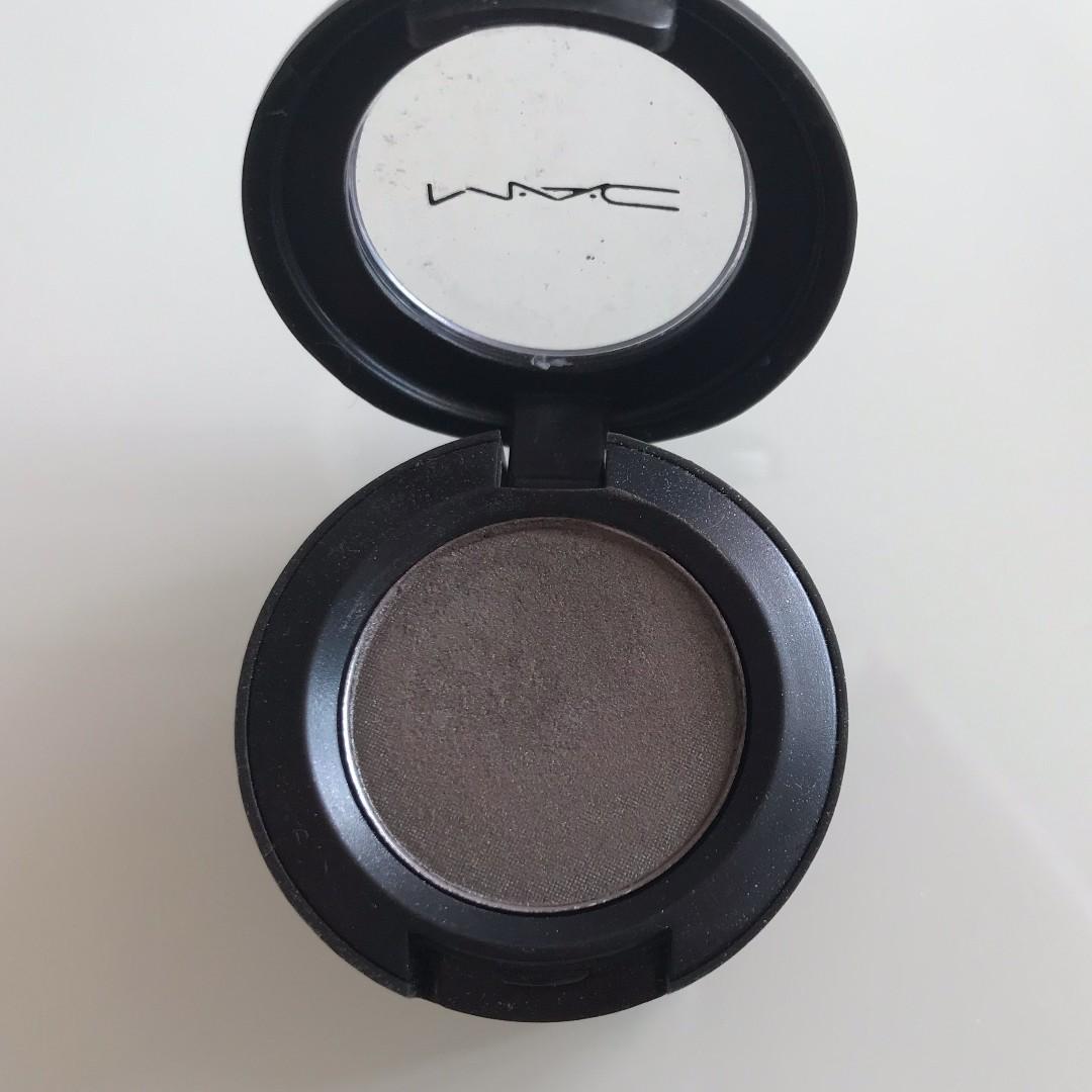 MAC Club Eye Shadow Compact