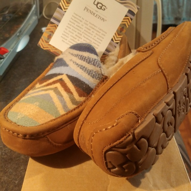 Mens UGG PENDLETON SLIPS *WOMENS 8-8.5*