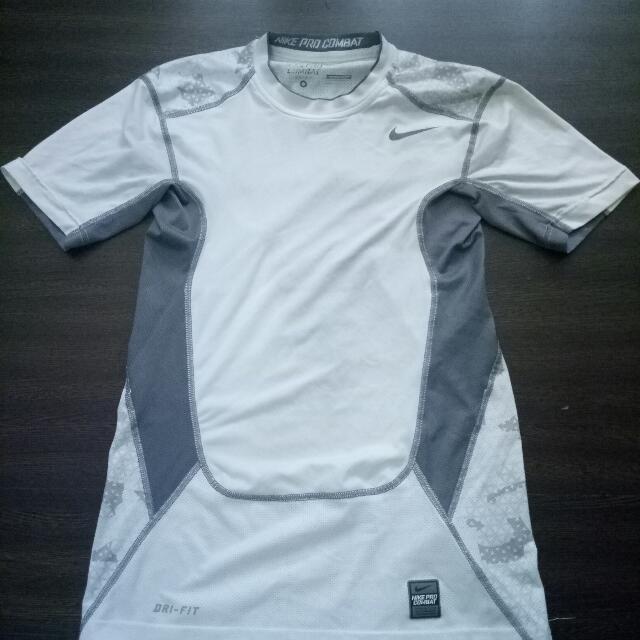 Nike(dry fit) 彈性運動上衣