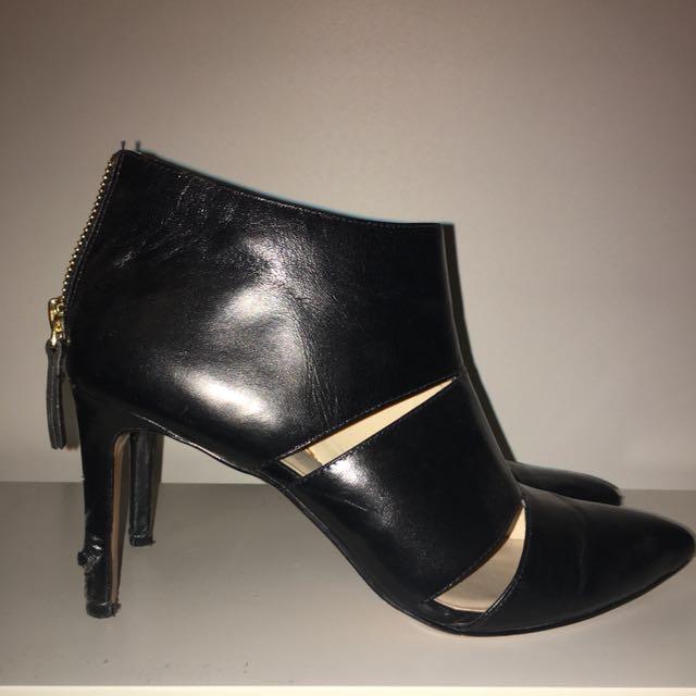 Nine West black stiletto cut out boot
