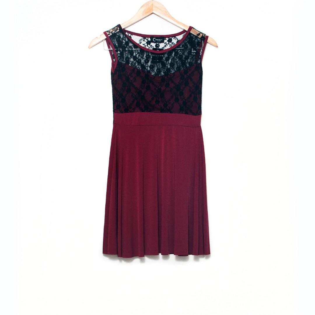 SALE! 😍 Red + Black Lace Dress