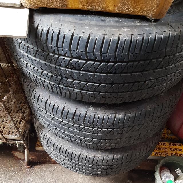 Stock Tires For Wildtrak 2015.