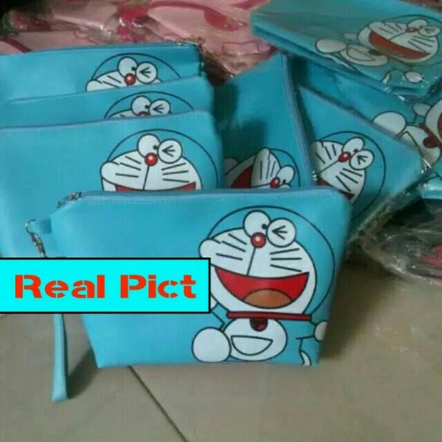 Boleh Barteryuk Pouch / Dompet Doraemon / Tas Kosmetik