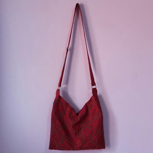 Tas Selempang Joger, Women's Fashion, Women's Bags & Wallets on Carousell