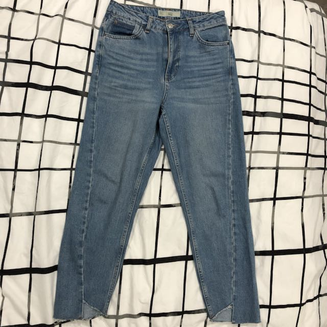 TOPSHOP light blue distressed deconstructed step hem mom jeans
