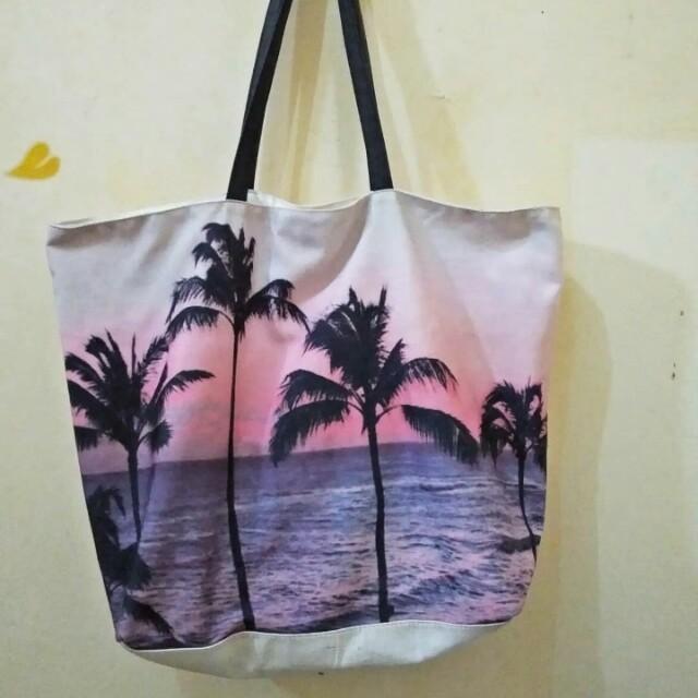 Graphic Tote Bag F21