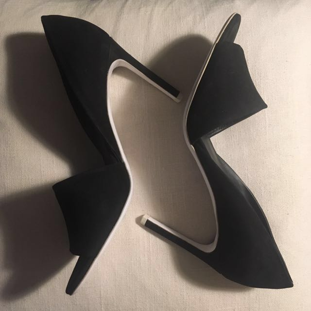 VINCE brand new black heels with white soles - size 8.5