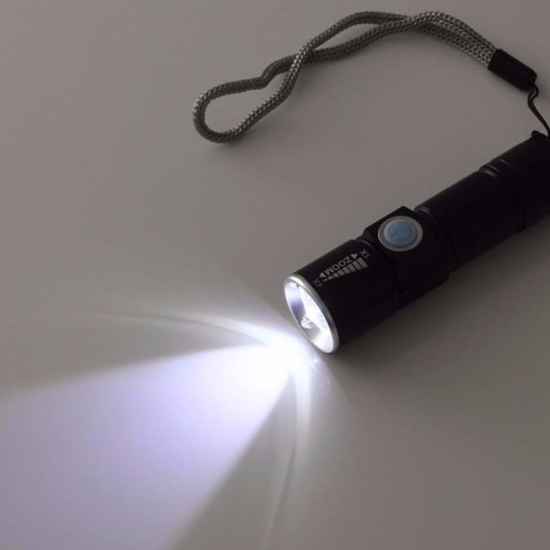 Waterproof Senter Zoom Mini LED 2000lumens USB Charge - Black