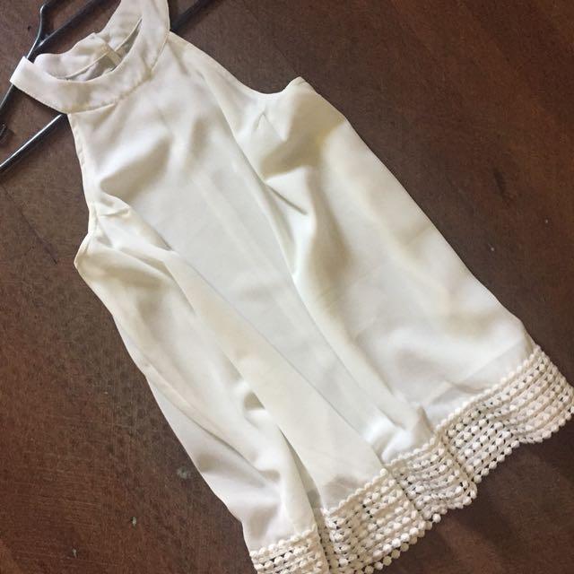 White tempt top size 12
