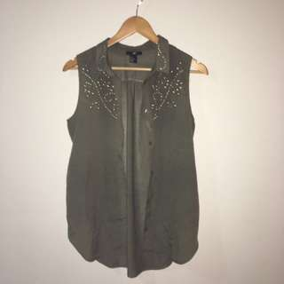 Olive Sleeveless Button-up Top