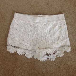 White lace shorts dirty size 12