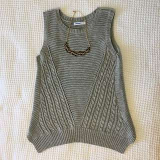 Valleygirl knit top: Size Medium