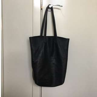 Assembly tote bag