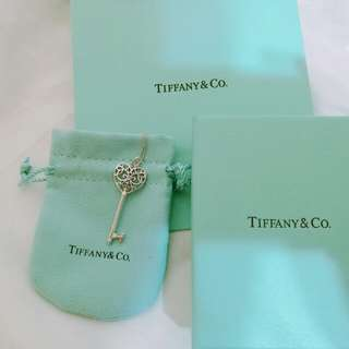 🚚 Tiffany & Co. 純銀鏤空愛心鑰匙項鏈