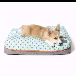Fuzzy yard dog bed Large