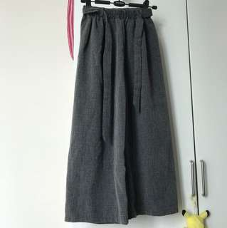 Grey culottes with ribbon at the waist ( detachable )