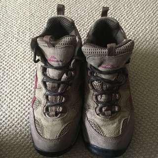 Sz 39 Kathmandu Brown Tramping Shoes