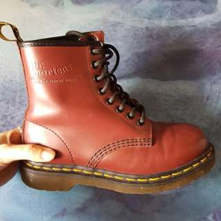 Doc Martens - Smooth leather 1460 Lace Boots - Size 36