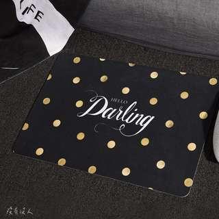 mine。大理石紋 歐美風格輕奢地毯 手寫英文 床邊地毯 玄關地墊 門口腳踏墊 點點 格子 羽毛 。沒有沒人
