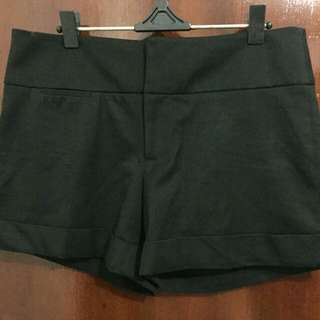Celana pendek Guess (ori)