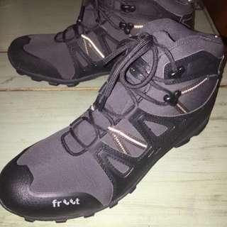 FREET Men's Hiking Boots Size UK8 BNWOT
