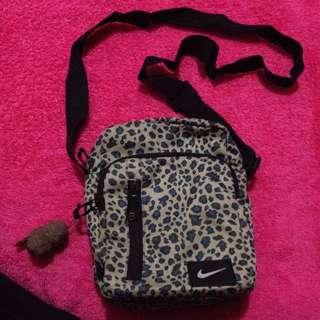 Nile Sling Bag