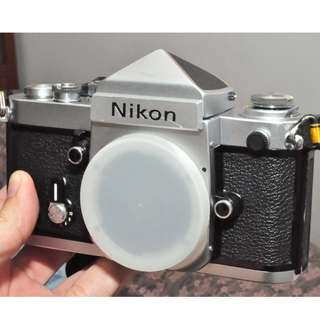Nikon F2 body with the rare DE-1 meterless prism/head