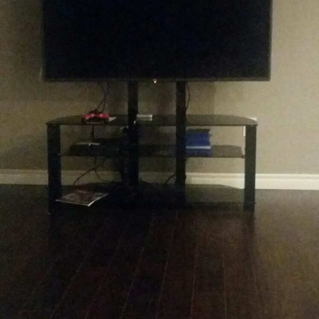 60 inc Tv Stand in very good condition