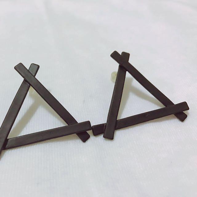 🖤個性三角形耳環🖤