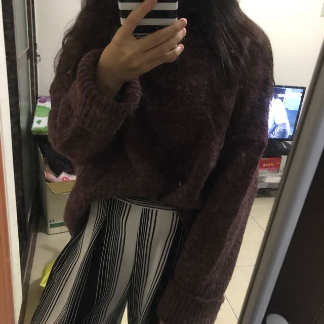 酒紅高領針織毛衣