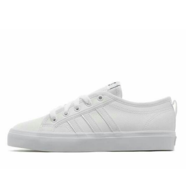 suelo Caligrafía Paradoja  Adidas Originals Nizza Lo Junior in White, Women's Fashion, Shoes on  Carousell