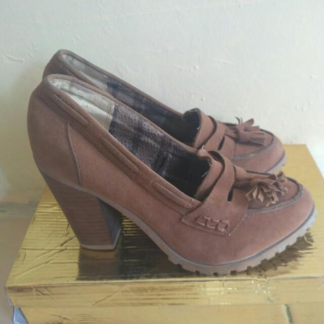Atmosphere heels